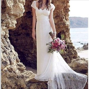 Lace wedding dress, creamy white, size 16